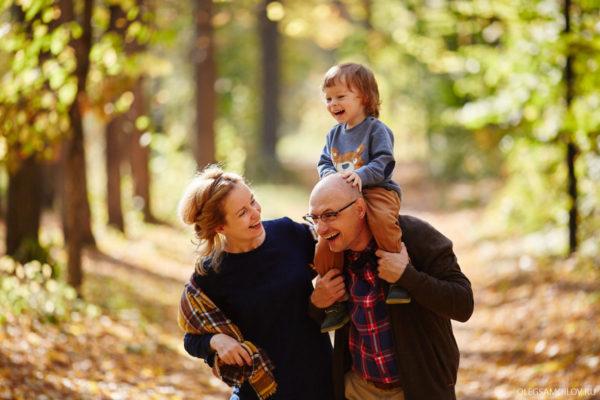 осенняя семейная фотосессия в Казани в парке Горького